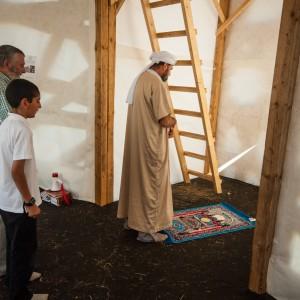 Fredagsbøn i moskeen på Spejdernes Lejr 2012. Foto: Jens Thybo